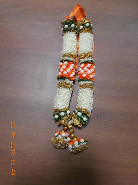 White _ Orange Mani garland